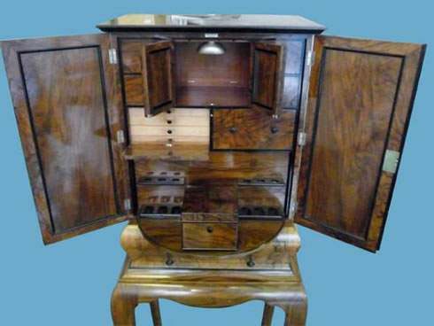 dunhill-smokers-cabinet