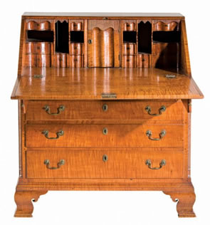 Chippendale Desk