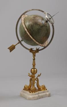 Juvet globe clock
