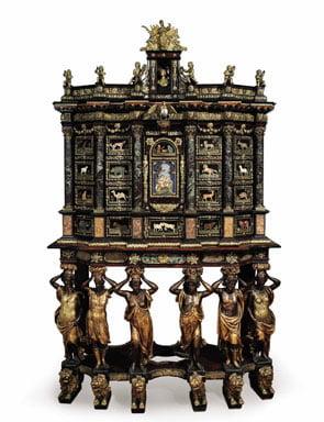 Cucci Cabinet