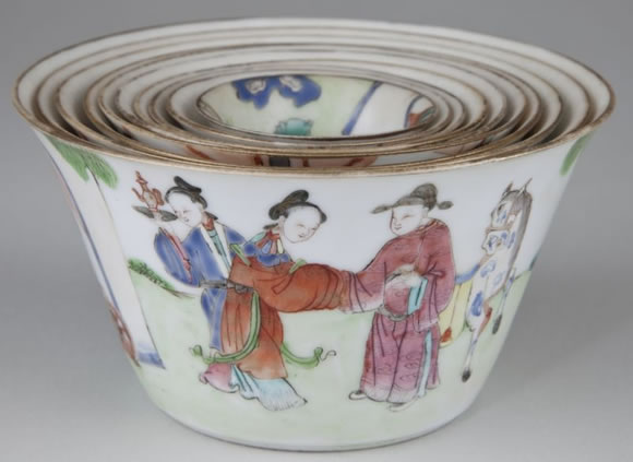 Asian Lava Glass Teapoy