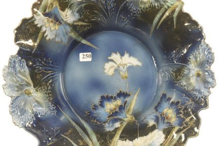 R.S. PRUSSIA CENTERPIECE BOWL AND A 13-PIECE SERVICE, BOTH CARNATION MOLD, BRING $4,300 EACH AT WOODY AUCTION JAN. 22 SALE IN WICHITA, KAN