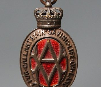 Rare medal celebrating heroism of Staffordshire railway worker to sell in Wolverhampton