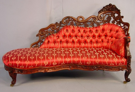Rosewood laminated rococo recamier (fainting couch), in the Fountain Elm pattern (circa 1850).