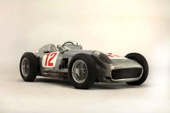 Fangio Mercedes becomes most valuable car ever sold by auction