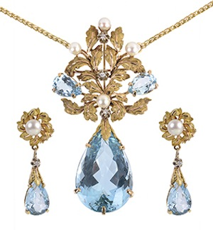 An aquamarine pendant and en suite ear clips by Scortecci