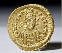 Byzantine hammered gold solidus coin with image of emperor, 4.50 grams, ex private New York collection, est. $1,800-$2,500 Image courtesy Artemis Gallery