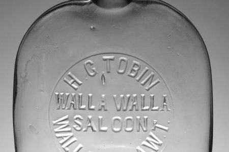19th CENTURY WESTERN PUMPKINSEED PINT WHISKEY FLASK, PRODUCED FOR THE WALLA WALLA (WASH.) SALOON, FETCHES $4,840 AT HOLABIRD AUCTION