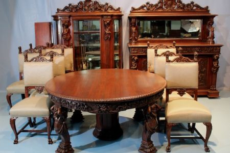 HUNDREDS OF ANTIQUE AND COLLECTIBLE ITEMS FROM PROMINENT ESTATES THROUGHOUT THE SOUTH WILL BE SOLD OCT. 6th & 7th BY STEVENS AUCTION CO.