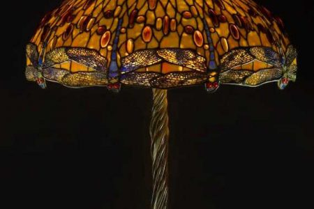 ANDREW JONES AUCTIONS HOLDS ITS INAUGURAL SALE TIFFANY STUDIOS DROP HEAD DRAGONFLY LAMP AUCTIONSS FOR $200,000