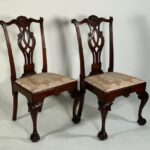 18th CENTURY AMERICAN CHIPPENDALE MAHOGANY SIDE CHAIRS BRINGS $33,210 AT NEUE AUCTIONS