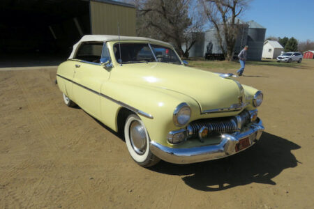 NEIL KRINKE COLLECTION  IN SCRANTON, NORTH DAKOTA – CARS, TRACTORS, PARTS, SIGNS AND MORE TO BE AUCTIONED